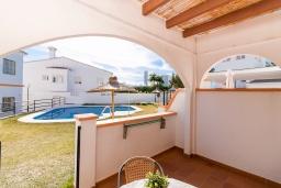 Терраса. Испания, Нерха : Великолепный таунхаус с террасой, бассейном, Wi-Fi и парковкой в Нерхе, недалеко от пляжа Бурриана, 2 спальни, 1 ванная комната, туалет.